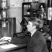 John Logie Baird, el creador de la televisión y los calcetines impermeables